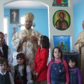 PS Mihai in a doua zi de Pasti in parohia din Bucurestii Noi
