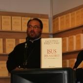 Lansarea cartii Isus din Nazareth - Targul Gaudeamus