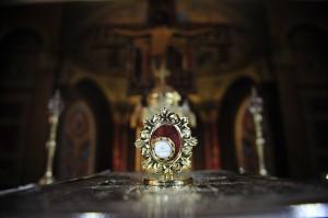 Racla cu moastele Sfintei Bernadeta